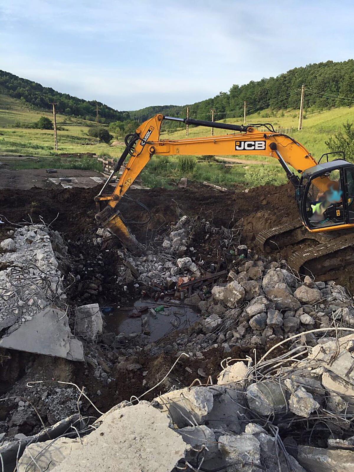 we-build-demolari-dezafectari-19