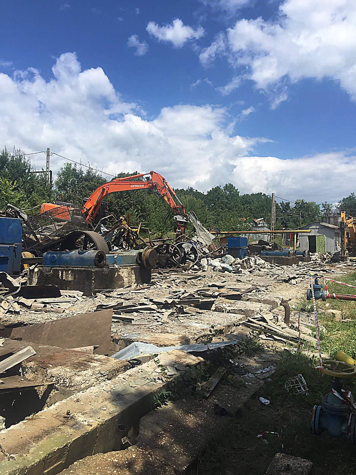 we-build-demolari-dezafectari-24