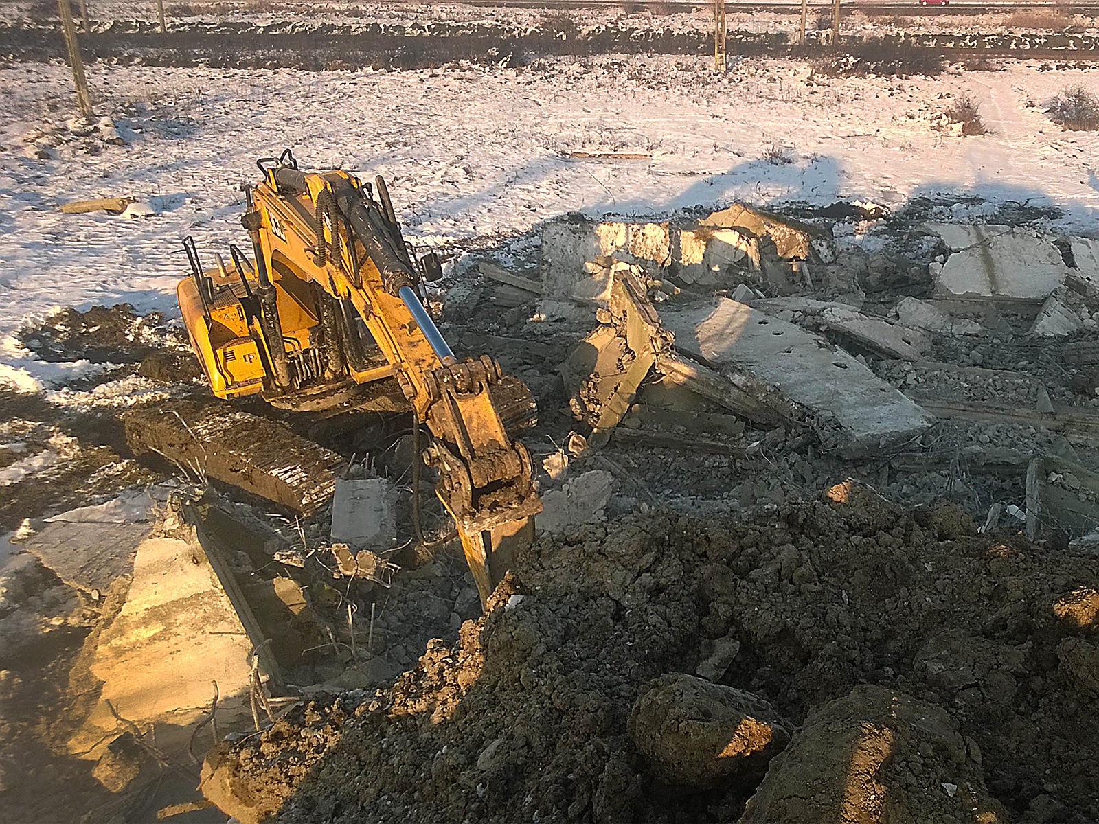 we-build-demolari-dezafectari-36