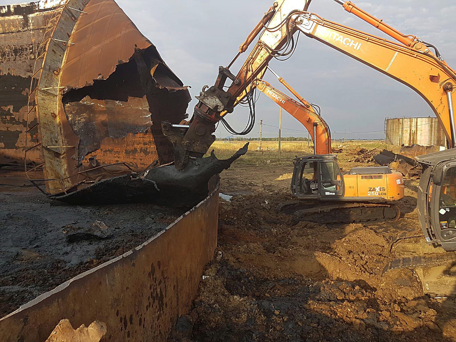 we-build-demolari-dezafectari-9